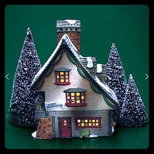 Dept 56 Elf Bunkhouse